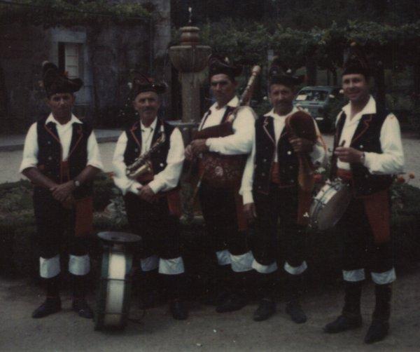 Hermanos Lamas, Cornide - Teo