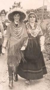 "Vestimentas de antroido, onde se aprecia o ""chambergo"", Santeles - A Estrada"